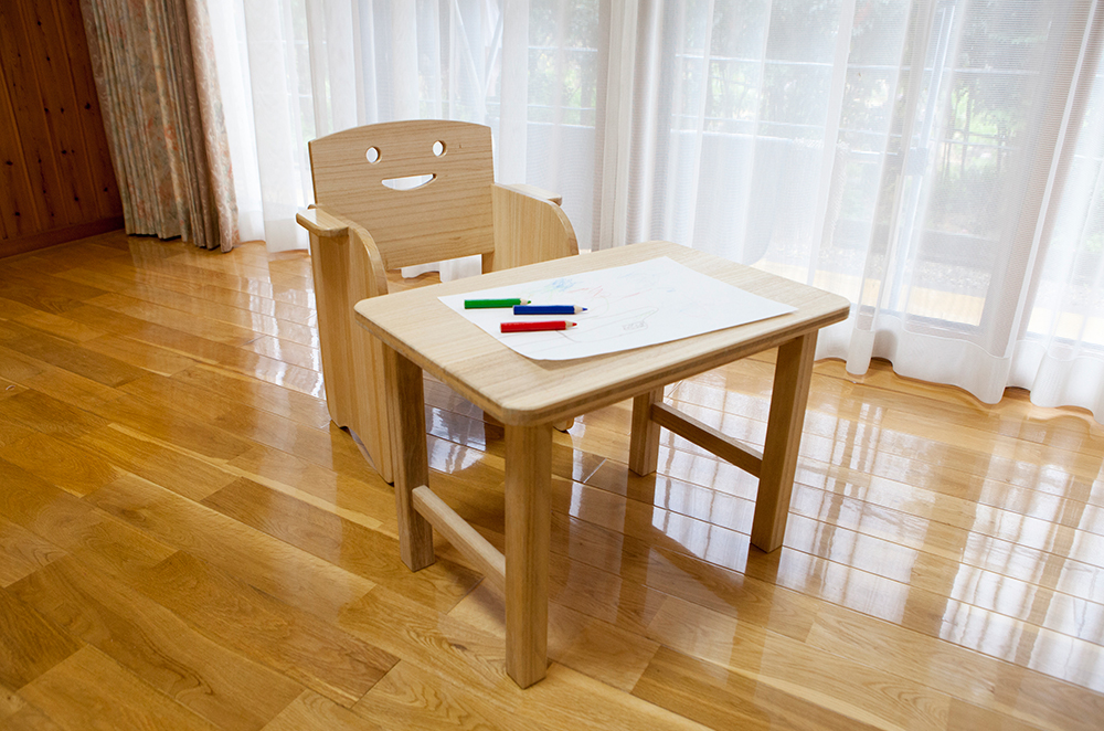 子供用桐の椅子