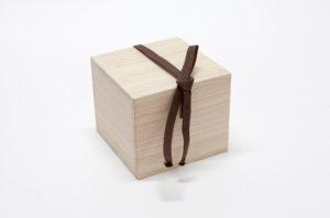 定型の桐箱